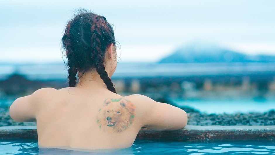Razmišljaš, da bi se prvič (ali celo drugič, tretjič ...) tetovirala? Beri TO! (foto: Unsplash.com/Jorge Fernandez)