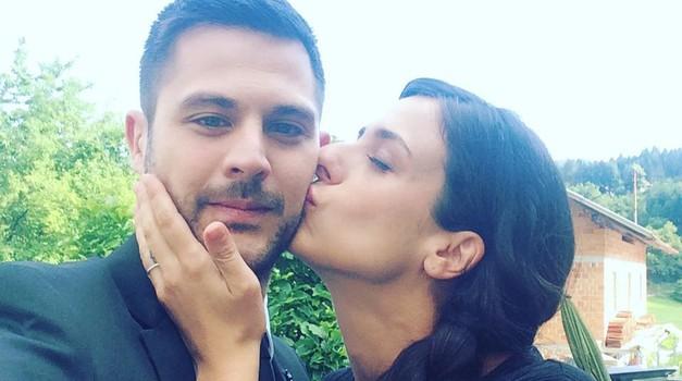 Tadej Pišek (Reka ljubezni) spregovoril o snemanju vročih poljubov z Laro Komar (foto: Instagram.com/@tadej_pisek)