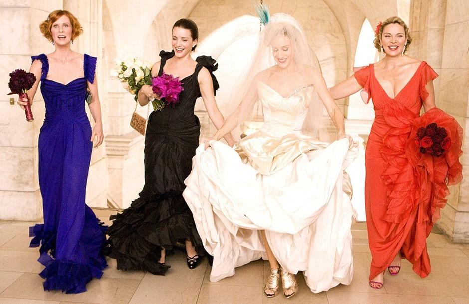Resnična poročna obleka Sarah Jessice Parker je izgledala ZELOOOO drugače od pričakovane! (foto: Profimedia)