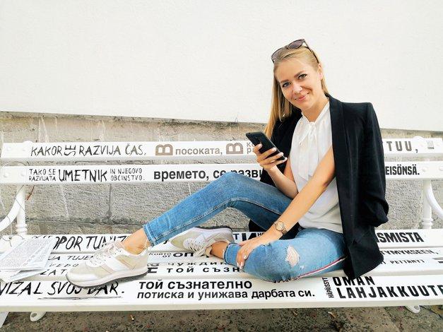 """Nina Štefe (Čas za kavo): """"Pustila sem službo za nedoločen čas in hobi pretvorila v posel, ki prinaša več tisoč evrov mesečno"""" (foto: Osebni arhiv)"""
