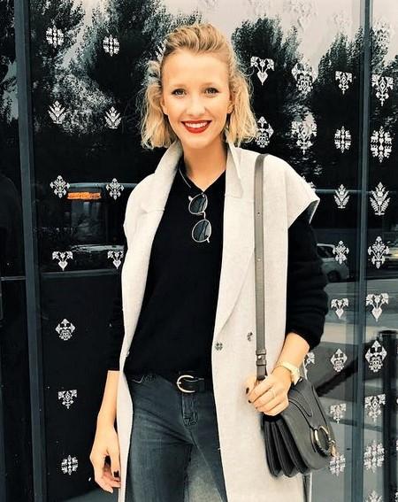 Anela Šabanagić, ki se je letos poleti s svojim partnerjem, aktualnim žirantom šova Slovenija ima talent, Ladom Bizovićarjem razveselila deklice, …