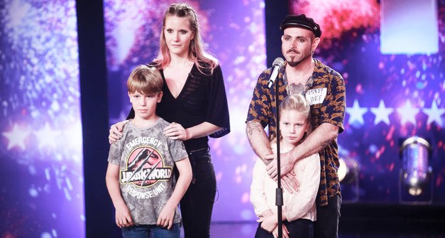 Poglej, kako LEPO sporočilo je včeraj PO NASTOPU objavila Tonijeva izbranka Maša (Slovenija ima talent) (foto: POP TV)