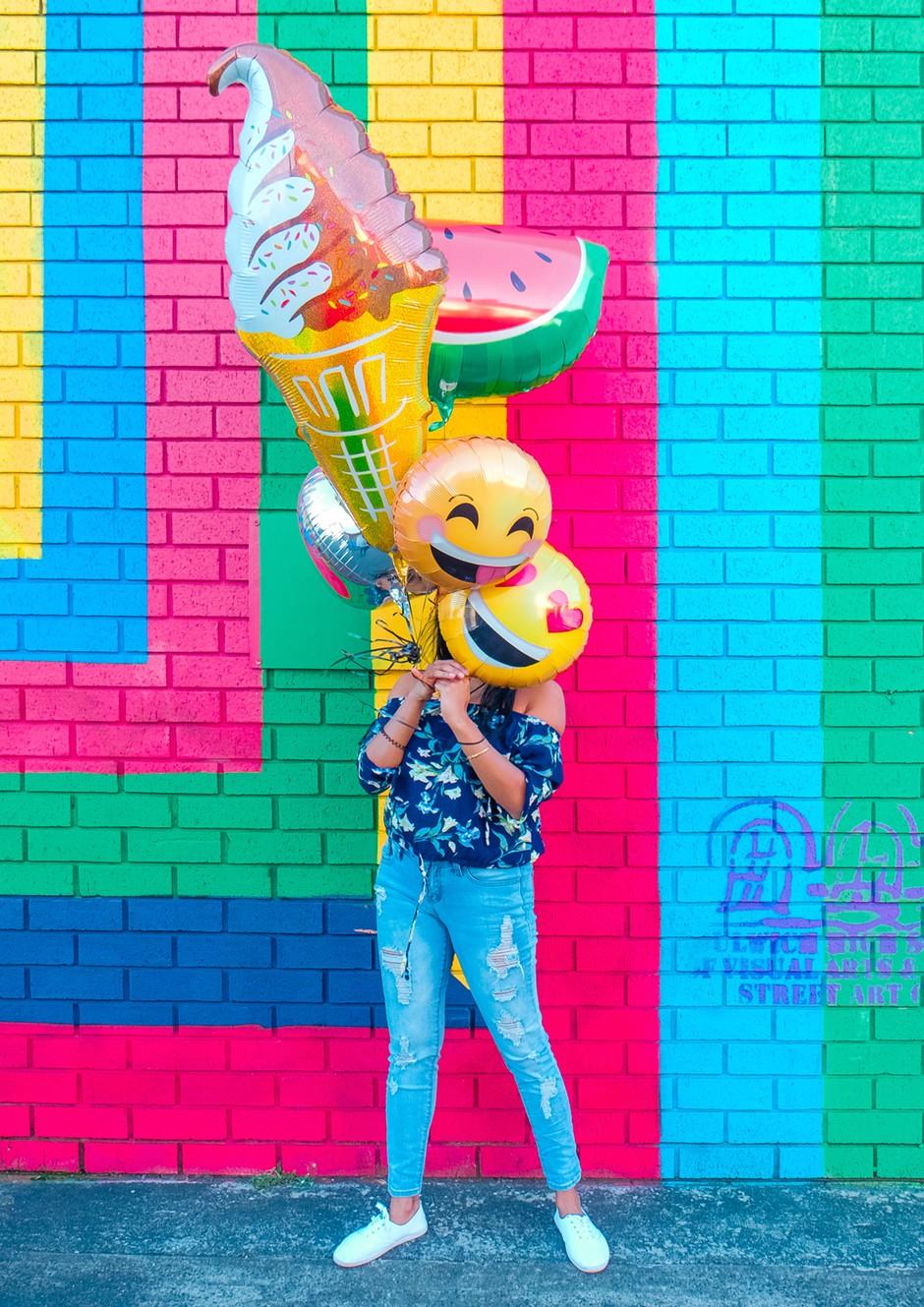 TEGA emojija NIKOLI (ampak res nikoli) ne pošlji svojemu fantu! Pomeni namreč ... (foto: Unsplash.com/Lidya Nada)