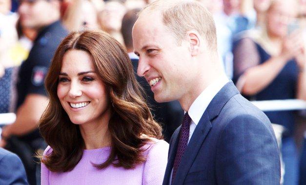 Končnoo! Kate in William sta s svetom delila REDKO družinsko fotografijo (foto: Profimedia)