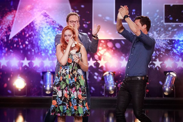 Zadnja finalistka oddaje Slovenija ima talent Veronika Steiner ima za seboj težko življenjsko pot (foto: POP TV)