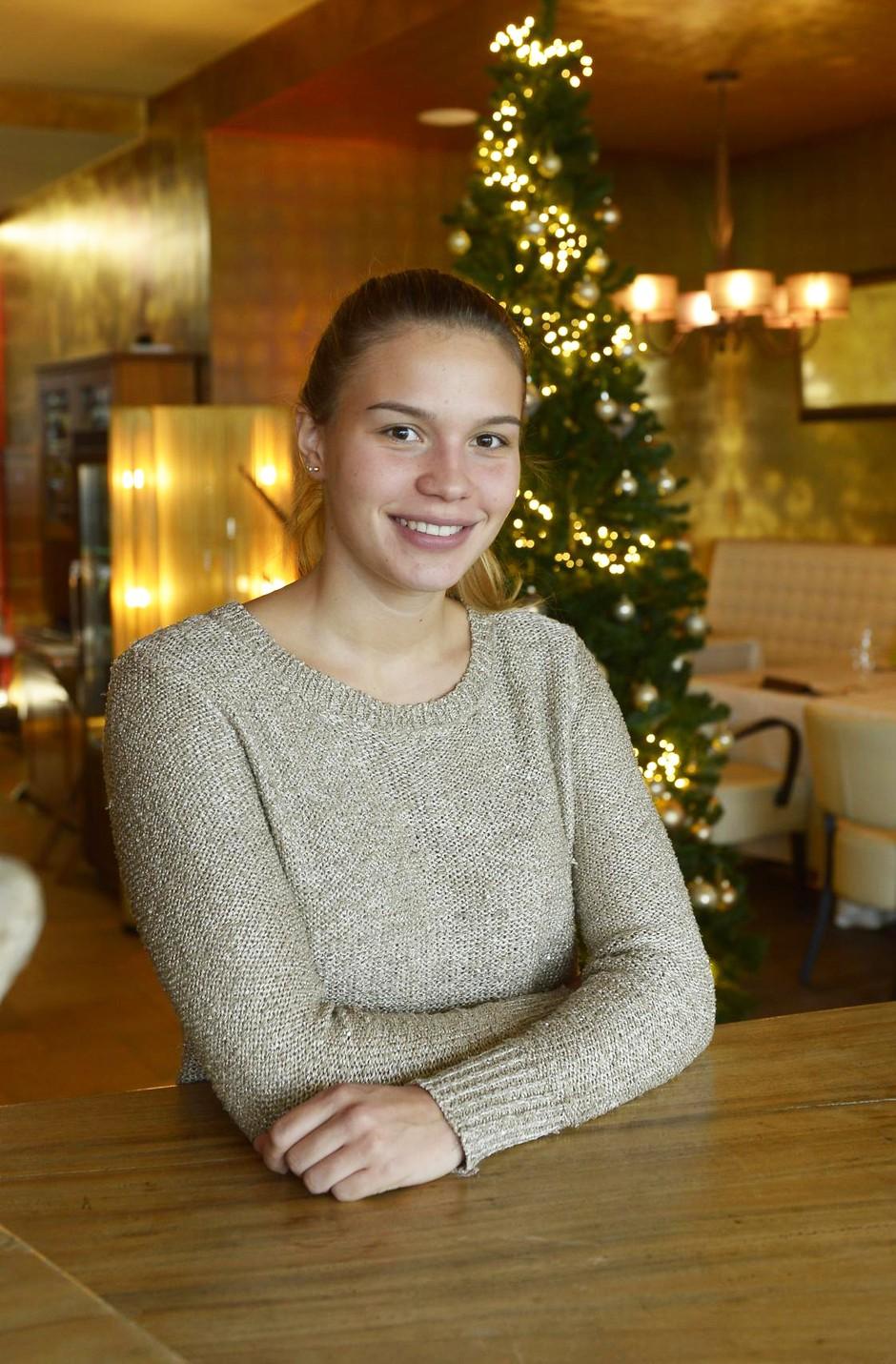 RECEPT: Preveri, kako slastne božične piškote pripravlja Anamaria Goltes (foto: Primož Predalič)