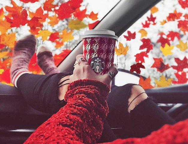 Obožuješ božično kavo iz Starbucksa? TAKO jo lahko pripraviš doma (RECEPT) (foto: Instagram.com/starbucks)