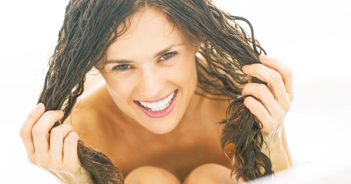 Super hot naked girl in the fountain naked girls