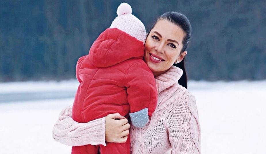 Iris Mulej je svojemu partnerju novico o nosečnosti razkrila na NAJLEPŠI način 'ever' (foto: Instagram.com/free_spirit_mama)