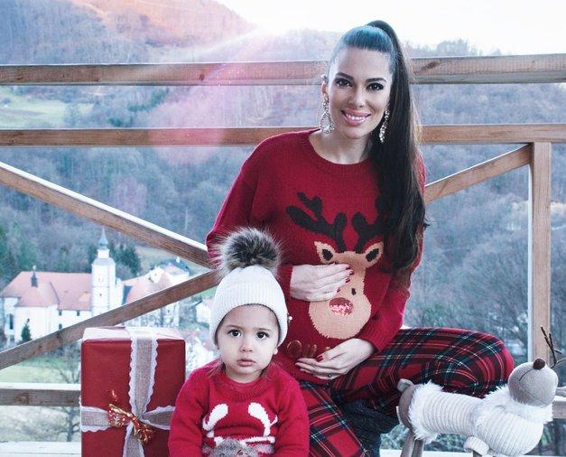 Ne le Iris Mulej, v teh dneh so NOSEČNOST naznanili kar 4 znani Slovenci (foto: Instagram.com/free_spirit_mama)