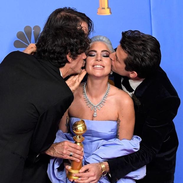 Eden izmed največjih dogodkov v filmski industriji, Golden Globes, je tudi letos postregel s čudvitimi zvezdniškimi opravami, a tudi nepozabnimi …