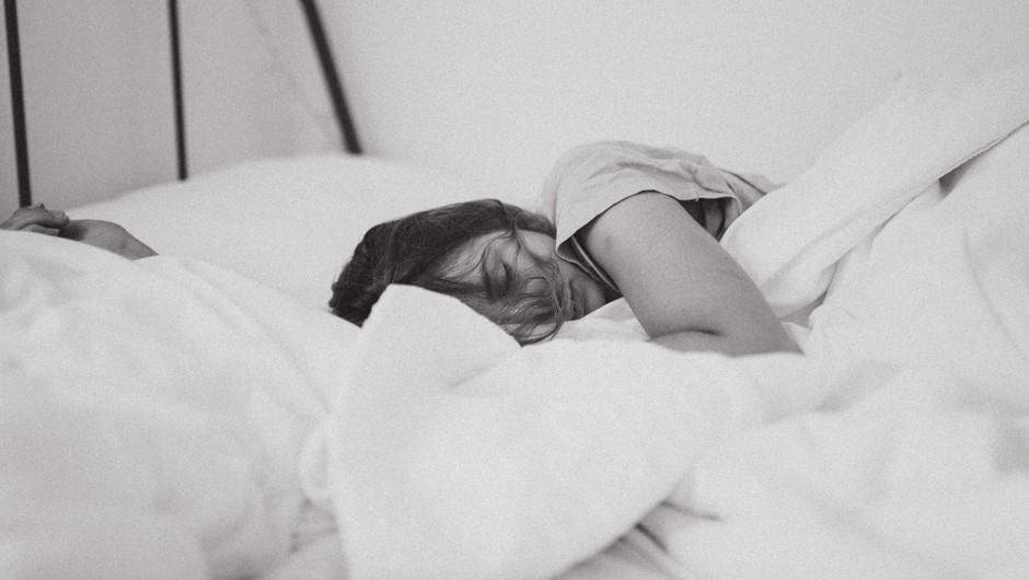 Trik, ki te uspava v manj kot minuti (foto: Unsplash.com)