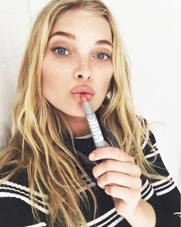 Ženske so ponorele za TO šminko, saj pristaja VSEM (ne glede na polt in obliko ustnic!) (foto: Profimedia)