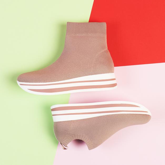 Uau! TO so največji trendi obutve pomladi 2019 (+ 4 modeli čevljev) (foto: Promocijsko gradivo)