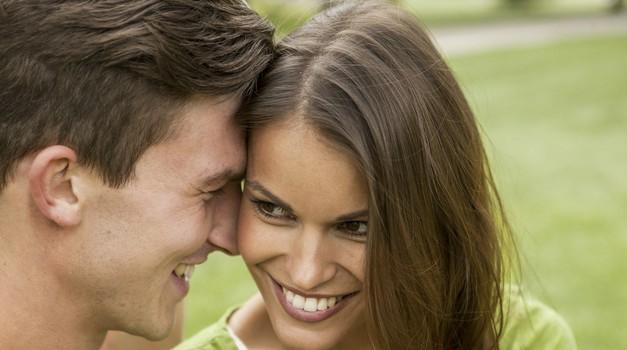 5 TOP nasvetov, kako osrečiti svojega izbranca (in ni darilo ali seks) (foto: Profimedia)