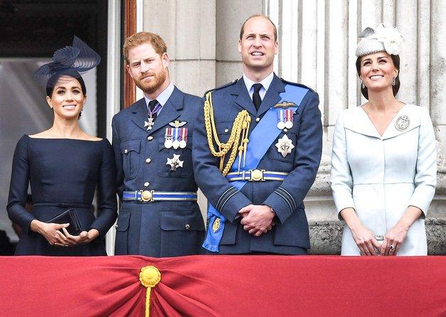 Kate in princ William sta NEPRIČAKOVANO obliskala dom princa Harryja in Meghan, RAZLOG pa je ... (foto: Profimedia)