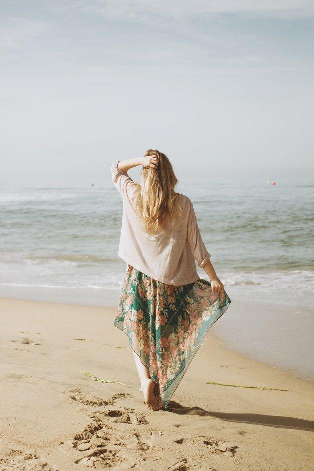 """""""Včasih ljubiti pomeni tudi oditi"""" (čudovit zapis, ki ti bo dal misliti) (foto: unsplash)"""