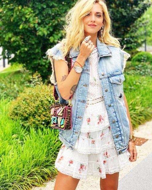 Italijanska modna ikona Chiara Ferragni te bo s tem stajlingom zagotovo navdušila. 😍Ogledaš si ga lahko TUKAJ 👉
