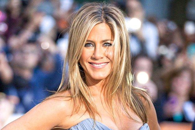 Modni svet enotno: 'TA pulover Jennifer Aniston bo TOP kos te JESENI' (foto: Profimedia)