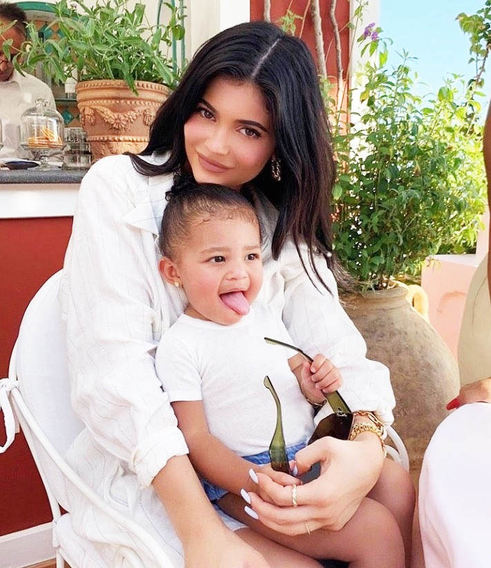 Spoznaj NORO šik francosko znamko, ki jo nosita tudi Kylie Jenner in Hailey Bieber (foto: Profimedia)