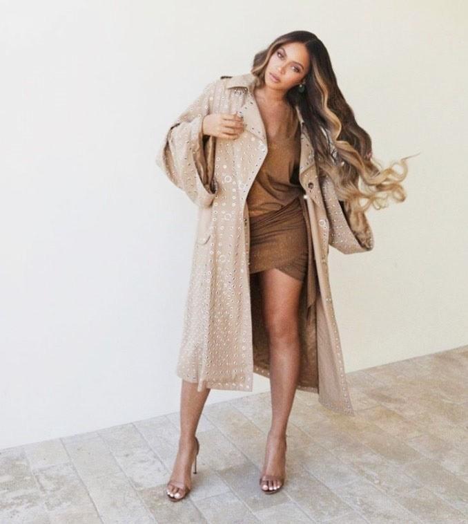 Zvezdnice (tudi Beyonce) to JESEN prisegajo na ENO manikiro, in to je ... (foto: Profimedia)