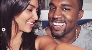 Modna javnost je ZGROŽENA nad novimi Yeezy supergami! Je Kanye West kopiral TO znamko?!