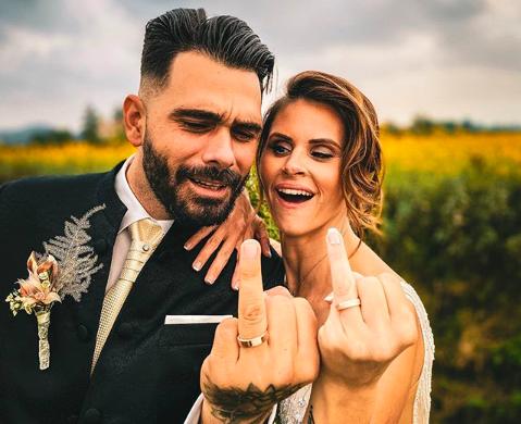 Aww, ljubezen je v zraku! 😍Teja in Jani sta svojo ljubezen okronala s poroko minulo nedeljo, včeraj pa sta si …