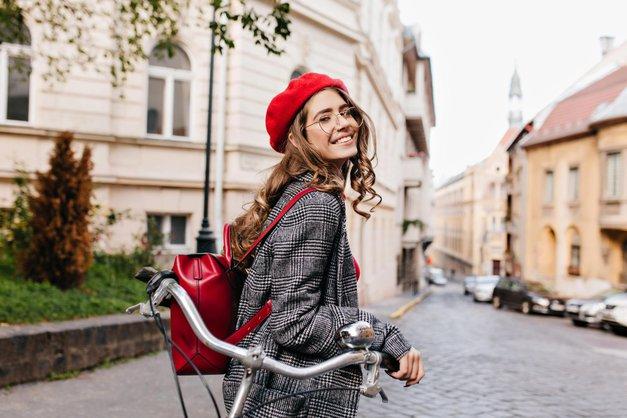 Bi svoj profil na družabnemomrežju rada spremenila v dobičkonosen posel? Beri dalje ... (foto: Shutterstock)