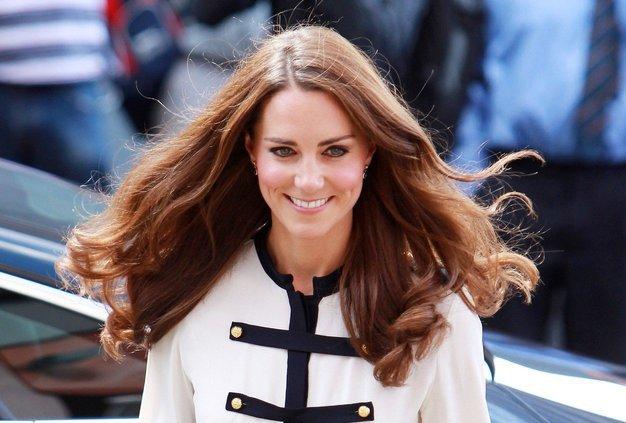 Frizer Kate Middleton razkril doma narejeno masko, ki je KRIVA za njene bleščeče lase (foto: Profimedia)