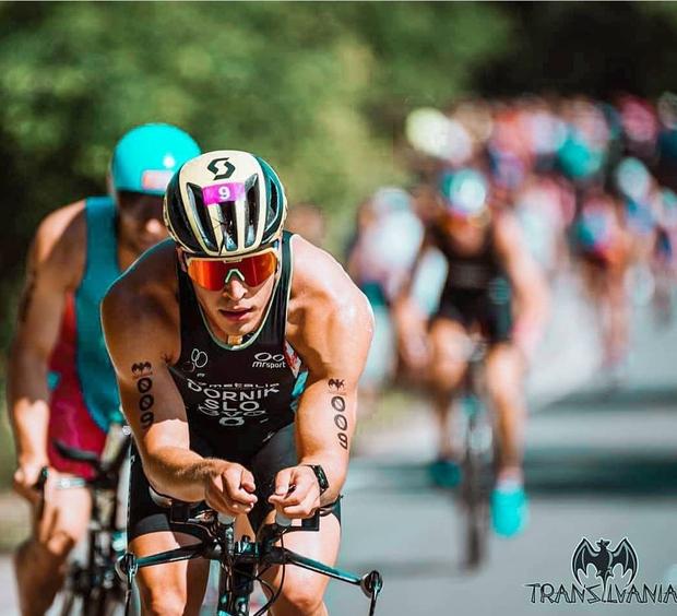 Domen Dornik, ki je ogrel srce naši pevki, je namreč vrhunski slovenski športnik! Profesionalni triatlonec si je letošnje leto na …