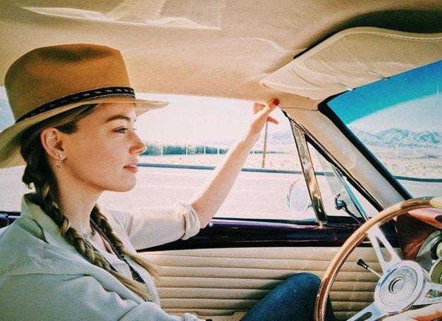 O-M-G! Če boš na Instagramu uporabila tale 👇🏼 ključnik, lahko osvojiš avtomobil 🚘 (foto: Profimedia)