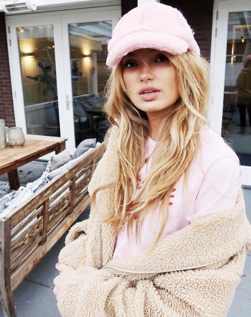 Modni kosi, ki jih v mrzlih dneh VEDNO potrebujemo? Topli puloverji, seveda! Da se jih kombinirati na mnoge načine, še …