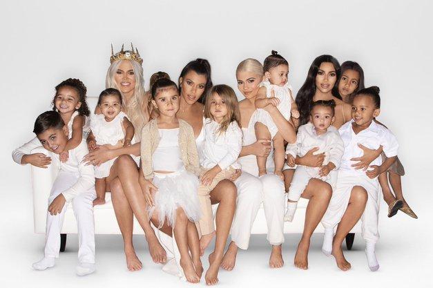 Naša bralka prepričana: TA estradna družina je slovenski klan Kardashian (vidiš podobnost?) (foto: Profimedia)