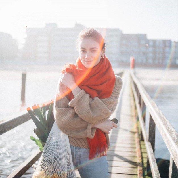 Stilistka razkriva drobne TRIKE, kako modne poznavalke nosijo hlačne nogavice pozimi (foto: Profimedia)