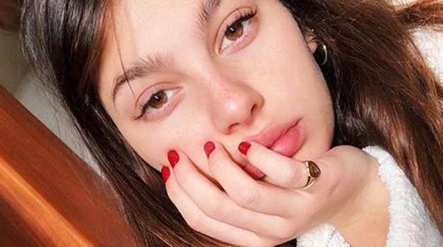 Trik, s katerim lahko resnično preveriš svoj ustni zadah!