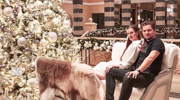 Uau! Poglej, kako krasno punco ima eden od najbogatejših Slovencev Damian Merlak (foto: https://www.instagram.com/mentolgram/)