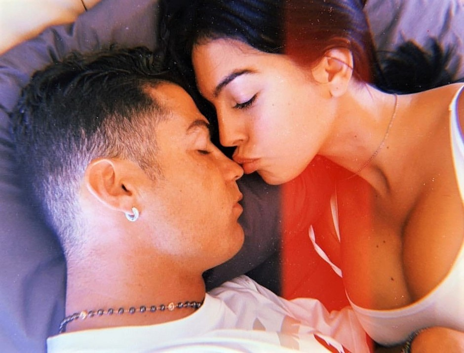 Raziskave kažejo, da se VEČINA parov najraje poljublja TAKOLE (tudi vidva?) (foto: Profimedia)