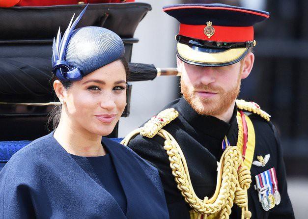 Zgrožena kraljica komentirala LOČITEV Harryja in Meghan (foto: Profimedia)