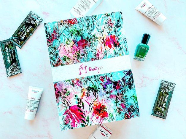 """PRVI letošnji Beauty Box je v vsebino vključil TALE 👇 """"must-have"""" izdelek (navdušeni smo) (foto: Nina Skok)"""