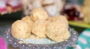 ZDRAVA sladica: POLETNE cheesecake kroglice, pripravljene v le 10 minutah