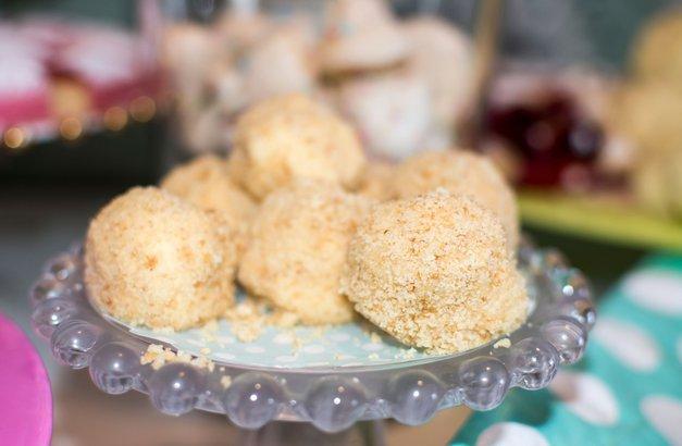 ZDRAVA sladica: POLETNE cheesecake kroglice, pripravljene v le 10 minutah (foto: Profimedia)
