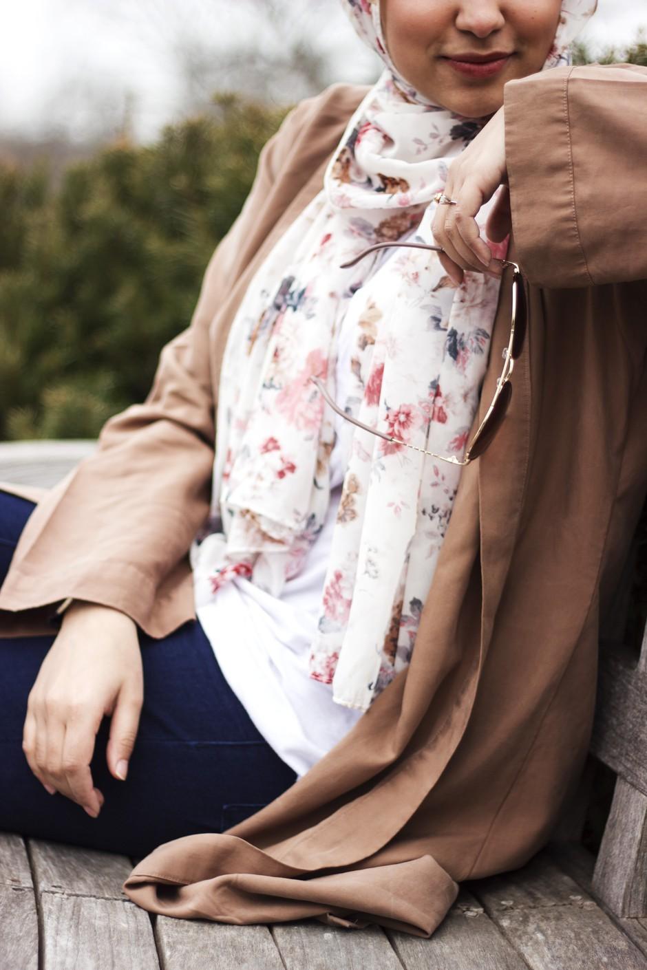 """""""Nekateri odzivi Slovencev so me razočarali"""" (resnično o tem, kaj pomeni biti ženska, ki nosi burko) (foto: Unsplash.com/Ifrah Akhter)"""