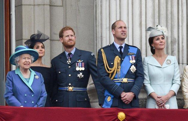 NOVA drama na dvoru: Kraljica prejela ločitvene papirje svojega vnuka (foto: Profimedia)