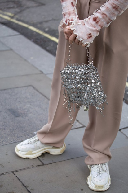 Najlepši stajlingi z ulic modnega tedna v Londonu (izbor Elle uredništva)