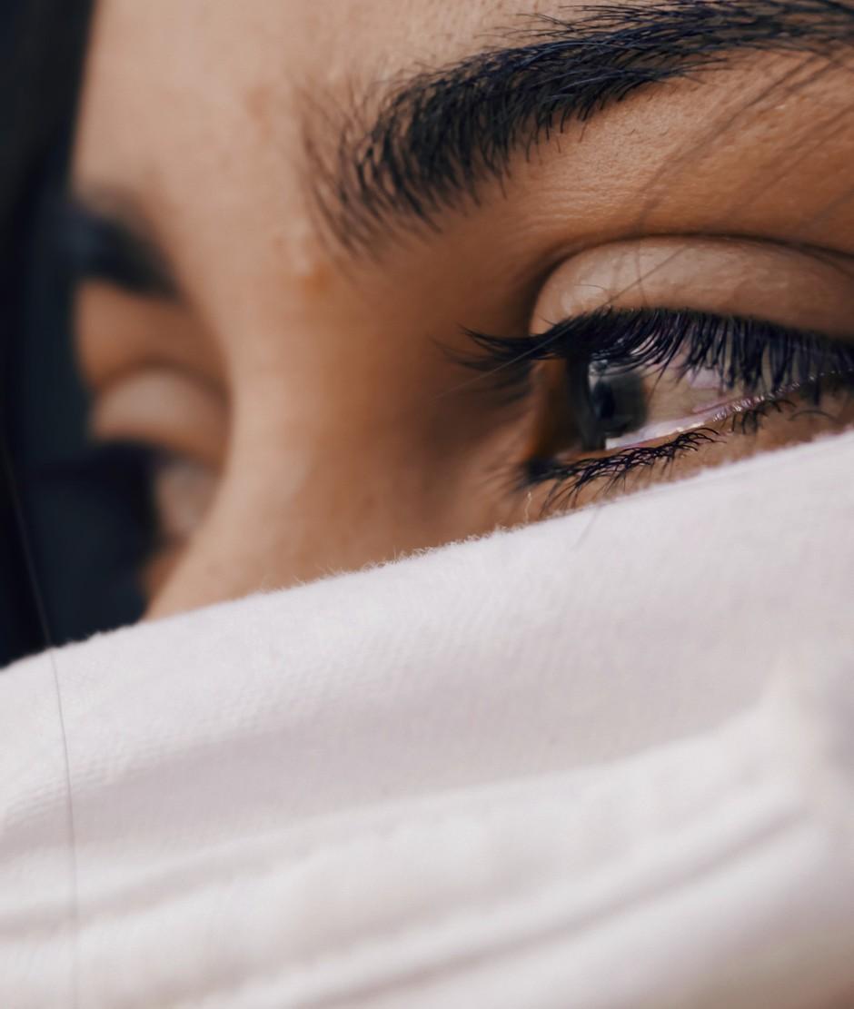 """Izpoved Slovenke, ob kateri nam je zajokalo SRCE: """"Če se iz šole nisem vrnila do enih, zame ni bilo kosila."""" (foto: Unsplash.com/Luis Galvez)"""