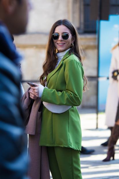 Tedna mode v Milanu so se udeležila tudi dekleta iz sosednje Elle pisarne in slovenska fotografinja Nike Koležnik. Med obiskovalci …