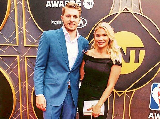 OMG! S TEMI super zvezdniki po novem žurata Luka Dončić in Anamaria Goltes (foto: https://www.instagram.com/anamariagoltes/)