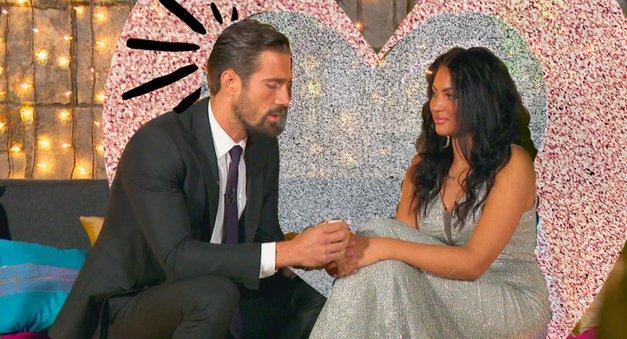"""Goran in Hana: """"No, samo da veste, na skrivaj sva se poročila."""" (foto: POP TV)"""