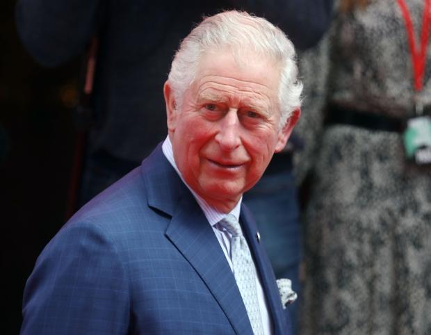 Kdo bi si mislil, da ima princ Charles smisel in okus za žensko modo? 🙊 Bodoči kralj Velike Britanije je …