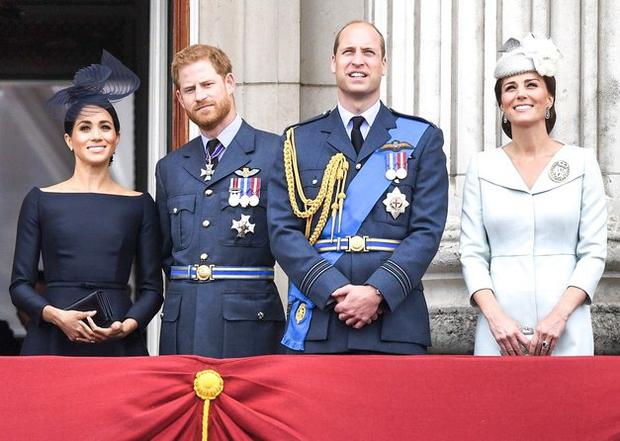 ... kraljica Elizabeta II., ki jima je ob tem velikem dnevu tudi javno čestitala. Eno izmed glavnih vprašanj je seveda …